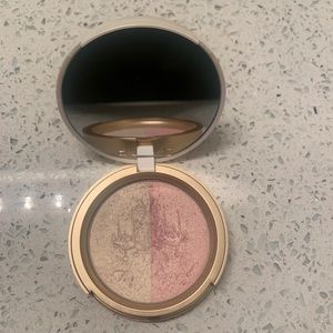 Too Faced Candlelight Glow in Rosy Glow